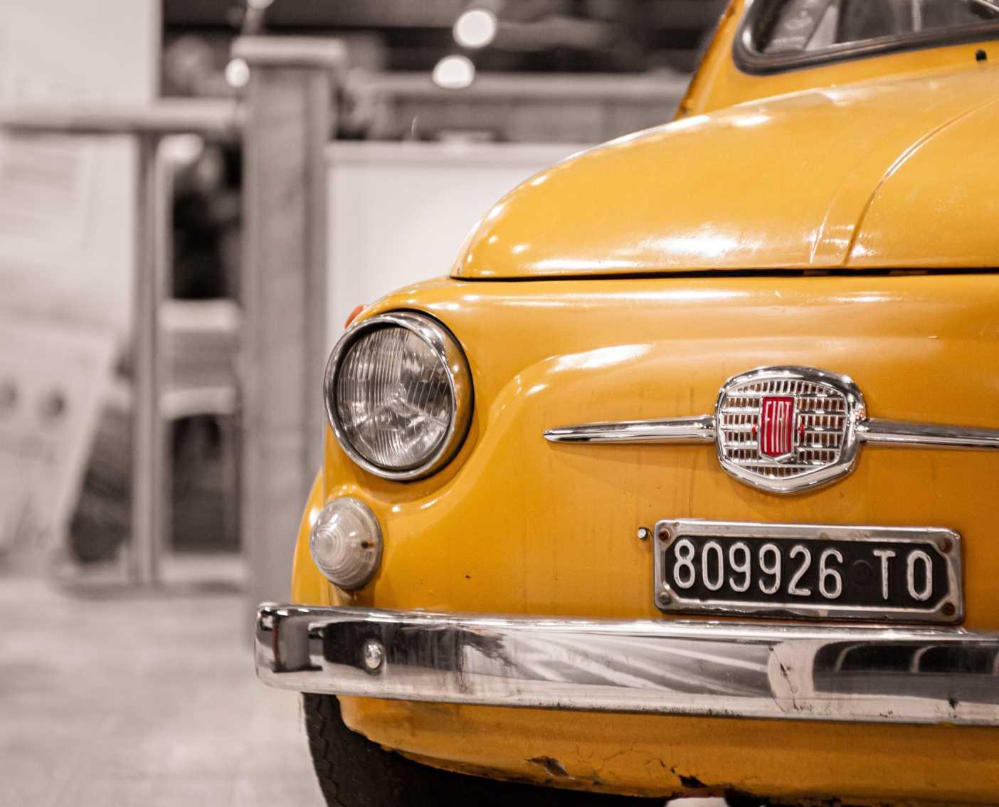 Fiat 500 geel